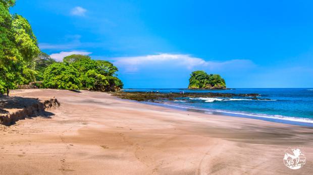 Baia de Los Piratas_ Costa Rica